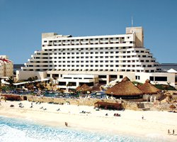Hotel y Villas Solaris Cancun