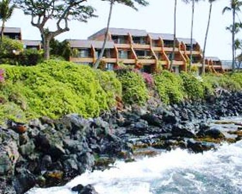 View the Kuleana Club from the ocean.