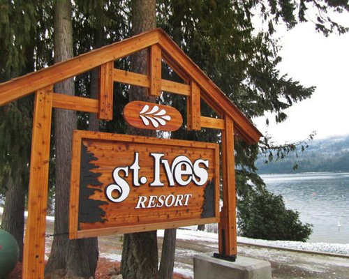 Signboard of St.Ives resort.