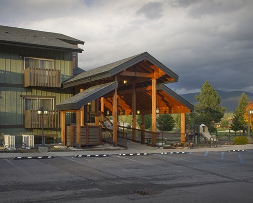 Main entrance of Stoneridge Resort at dawn.