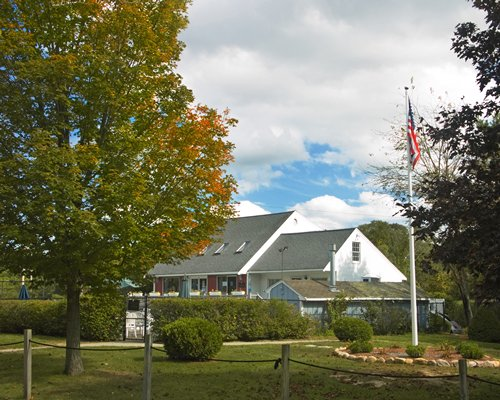 Scenic exterior view of Briarwood with the American Flag.