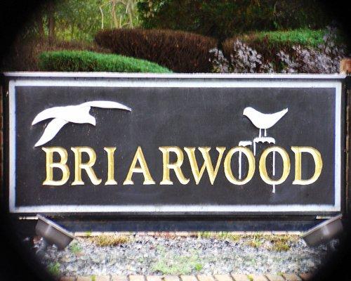 Signboard of Briarwood resort.