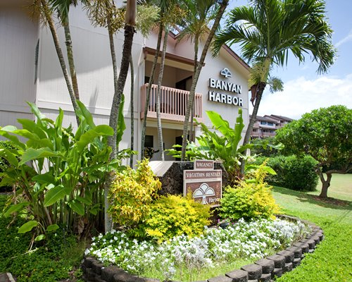Scenic Banyan Harbor Resort main building.
