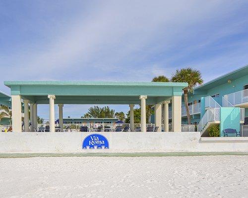 Exterior view of Via Roma Beach Resort.