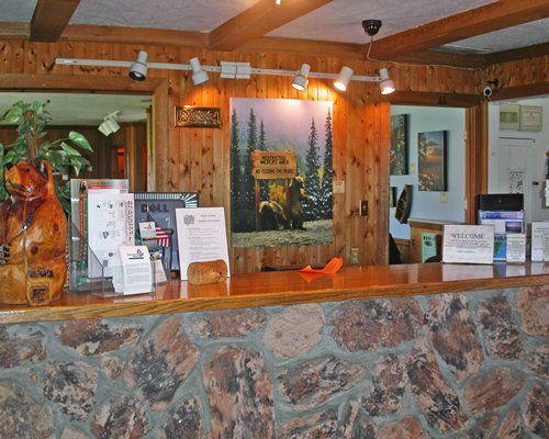 A well furnished reception area of the Tahoe Sands Resort.