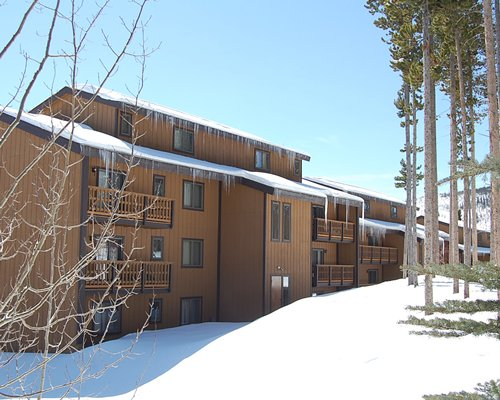 Scenic exterior view of Timber Run during winter.