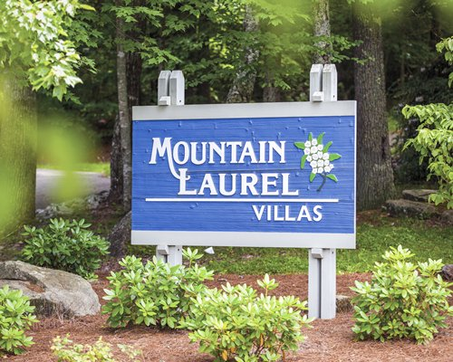 Signboard of Mountain Laurel Villas.