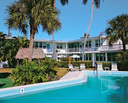 White Sands Resort C...