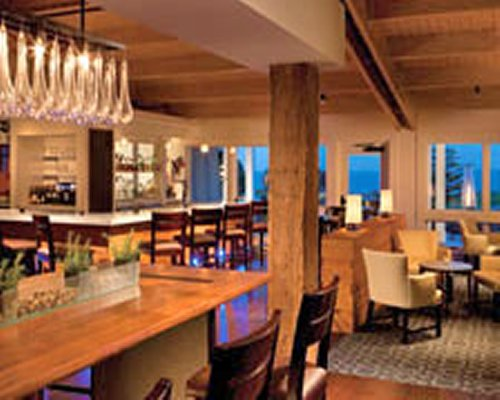 Indoor restaurant and bar at Samoset Resort.