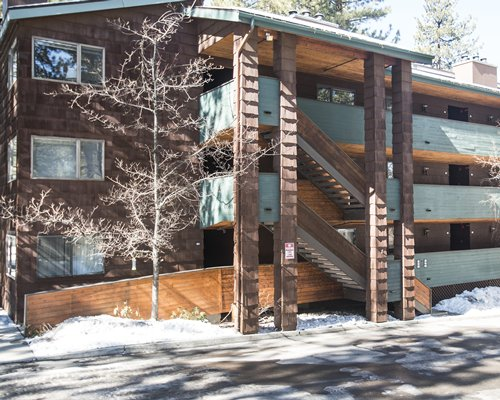 Exterior view of multi story Snow Lake Lodge.