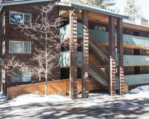 Exterior view of multi story Snow Lake Lodge.