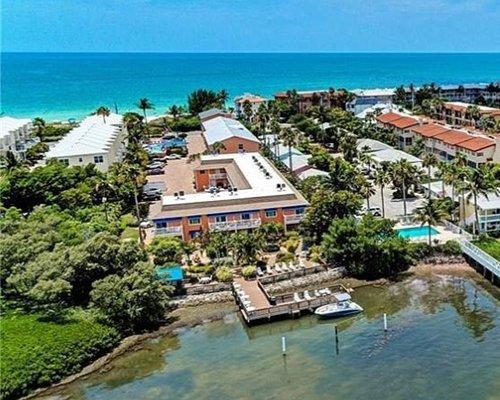 Smuggler's Cove Resort