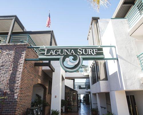 Main building view of Laguna Surf.