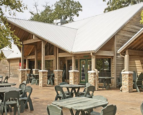 A unit with outdoor restaurant at Holiday Inn Club Vacations.