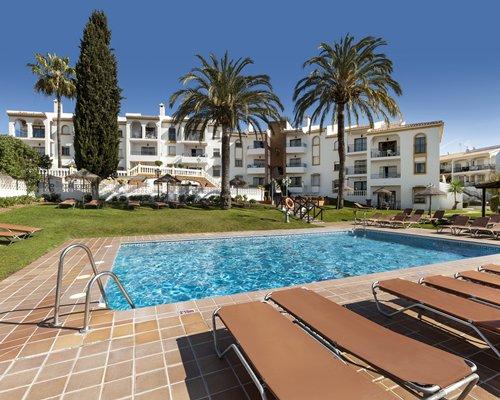 Crown Resorts at Club La Riviera