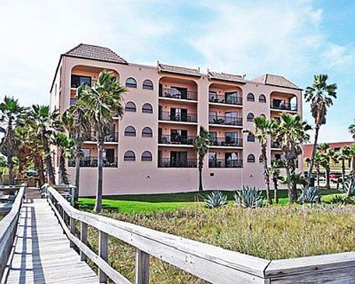 Las Olas Beach Club of Cocoa Beach