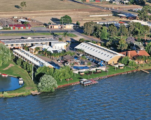 Lake Edge Resort (Vic)