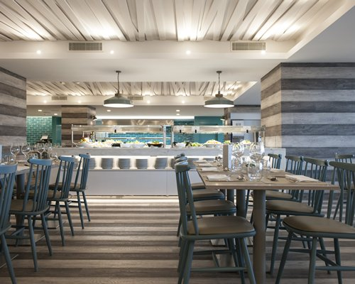 A well furnished restaurant with food and bev