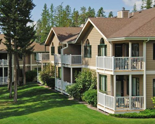 Exterior view of the Meadow Lake Golf Resort.
