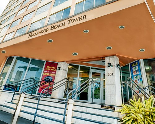 A ground view of Hollywood Beach Tower resort.