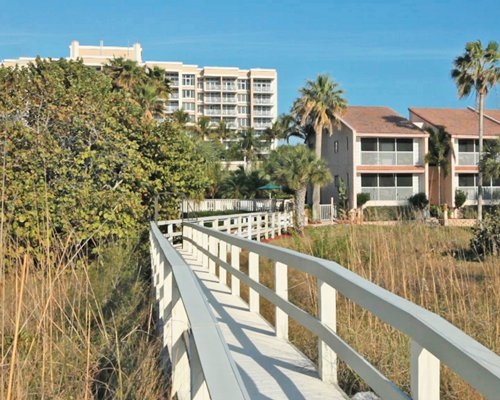 A pathway to Club Regency Of Marco Island.