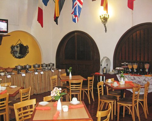 Indoor restaurant at Fortin de Las Flores Resort Club.
