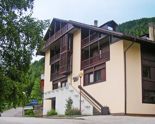 Exterior view of a unit with multiple balconies at Residenza Parco Dello Stelvio.