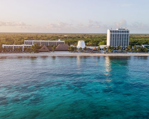 Exterior view of MVC at Melia Cozumel with multiple balconies.