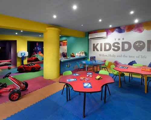 A fine dining area alongside the ocean.