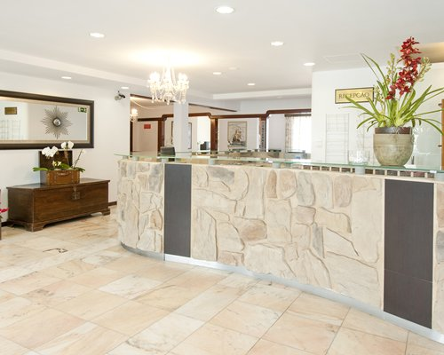 The reception area at Roca Mar Sports and Country Club.