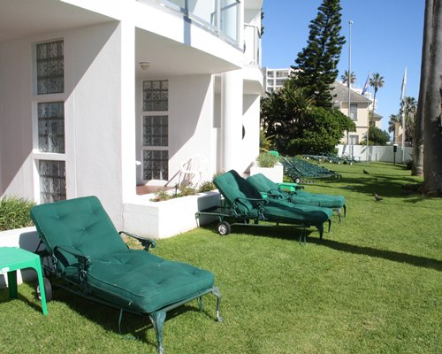 A view of the chaise lounge chairs.