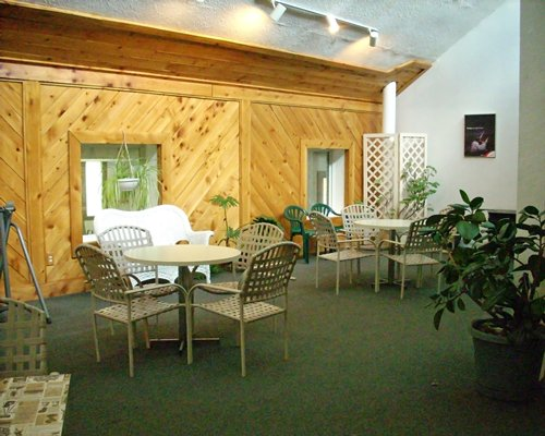 An indoor lounge area of the Endless Mountain Resort.