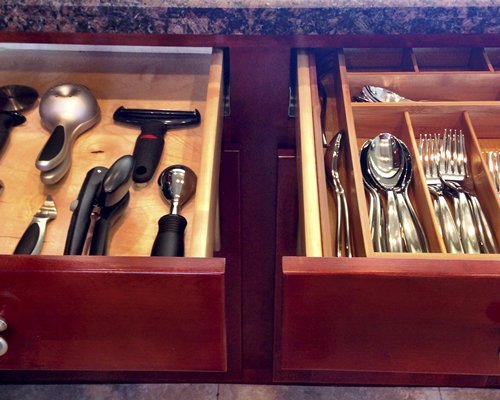 View of the kitchen accessories in a drawer.