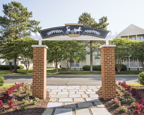 The entrance of Wyndham Kingsgate resort.