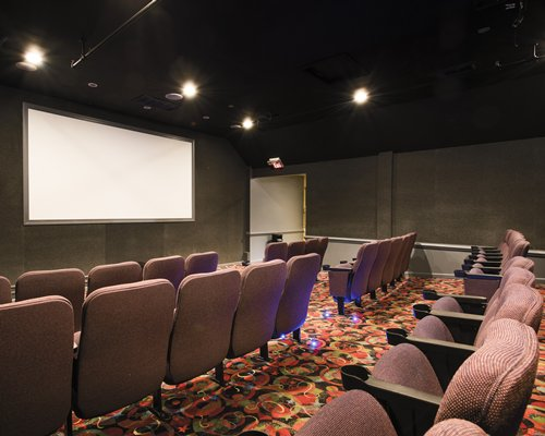 A well furnished theatre at Wyndham Kingsgate resort.