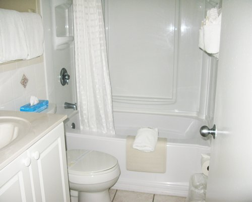 A bathroom with bathtub.