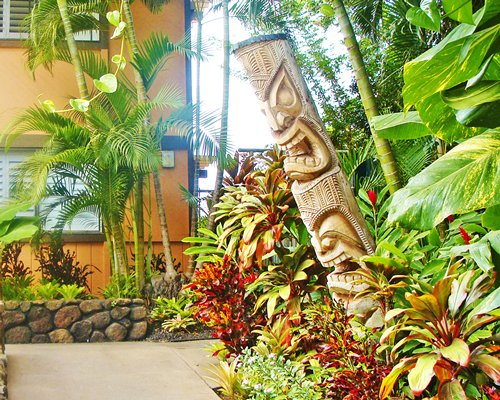 Pathway to a unit at Kapulanikai Vacation Suites.