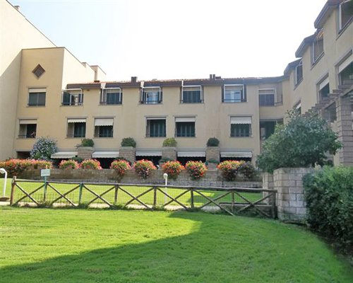 Exterior view of a unit with multiple balconies at Residence I Boboli.