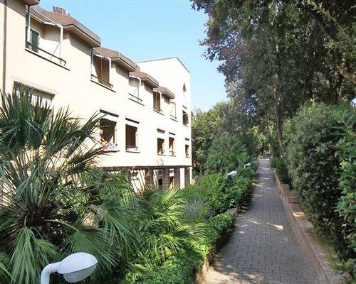 Scenic pathway alongside Residence I Boboli.