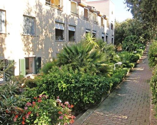 Pathway at Residence I Boboli.