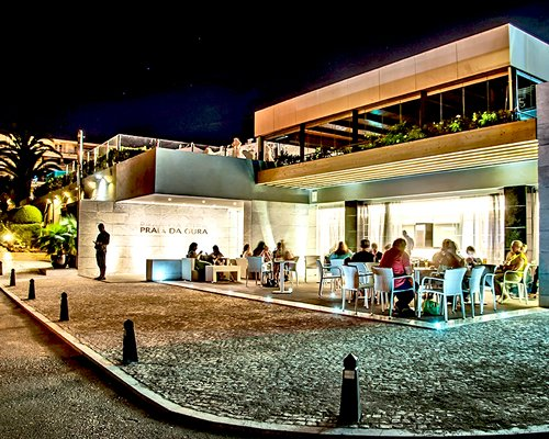 Outdoor restaurant at Clube Praia da Oura.