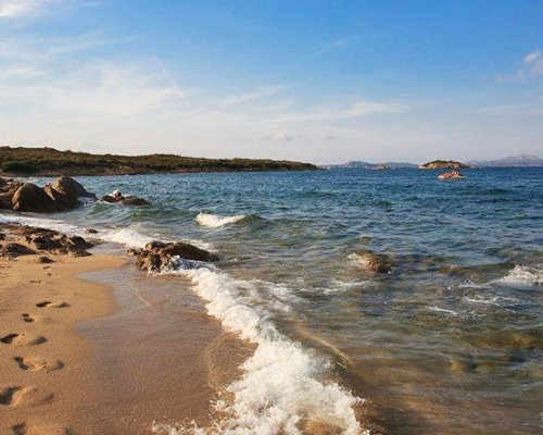 A view of the coastal area of the sea.