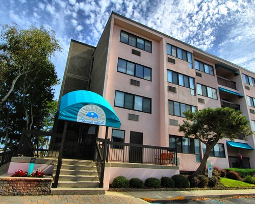 An exterior view of the Rhc/Brigantine Beach Club.