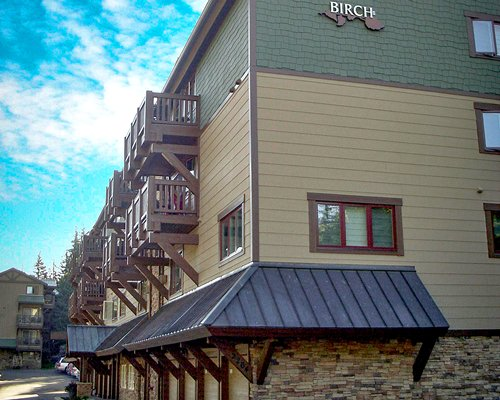 Exteriore view of RHC/Streamside At Vail Birch with multiple unit balconies.