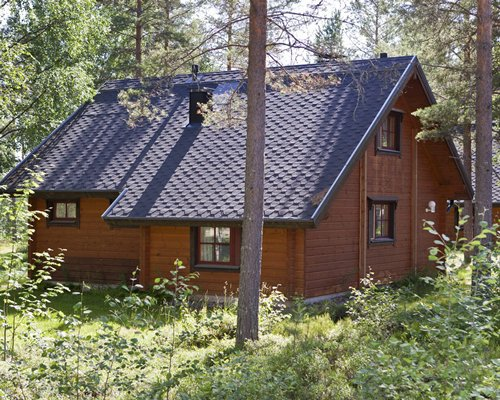 Exterior view of Holiday Club Hannunkivi.