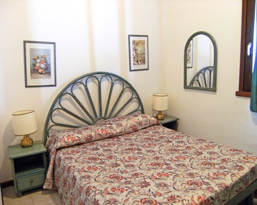 A well furnished bedroom.