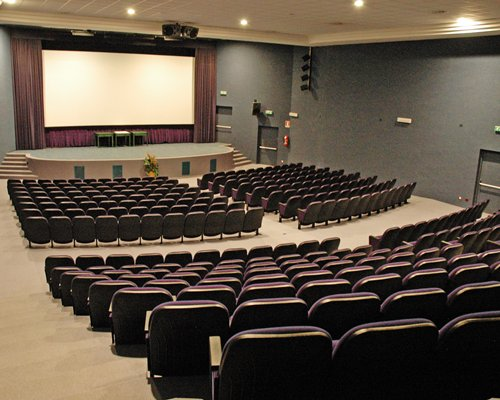 A well furnished indoor auditorium.