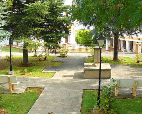 Scenic picnic area with a pathway at Onagrup Club Zarzas.
