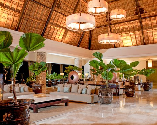 Reception and lounge area at Mayan Palace Golf at Vidanta.