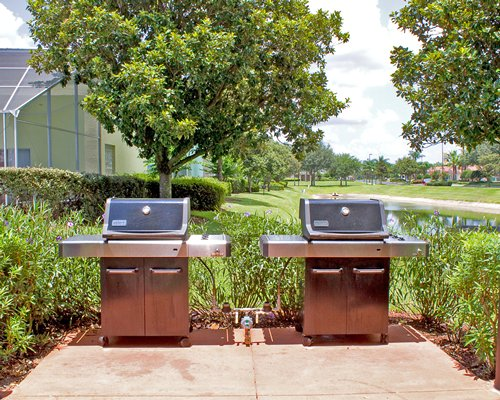 Outdoor barbecue grills.